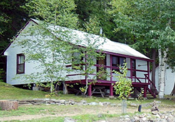 old-mirror-lodge-cottage