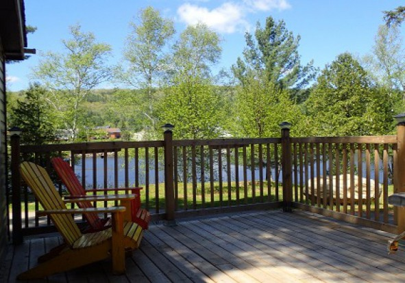 sid-turcotte-park-cottages-deck